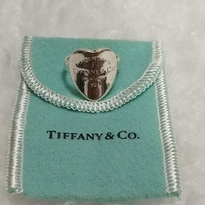 Return to Tiffany's Heart Ring NWOT